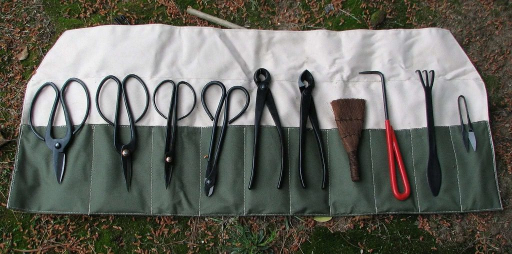 herramientas para la poda y cableado del bonsai